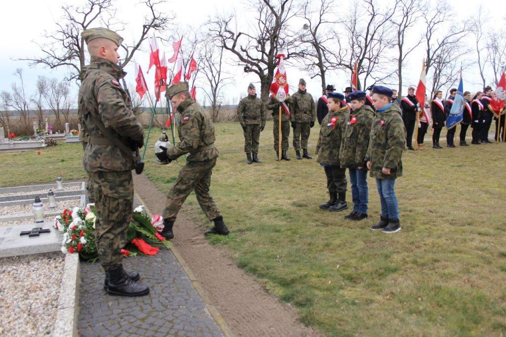 Uroczystości ku czci majora Zbigniewa Gorzeńskiego-Ostroroga w Lgowie.