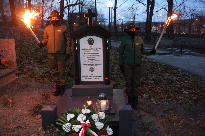Marszałek Marek Woźniak oddał hołd powstańcom w 102. rocznicę wybuchu zwycięskiego Powstania Wielkopolskiego